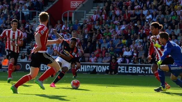 Martial đủ khả năng thi đấu 95% số trận của Man Utd ở mùa này