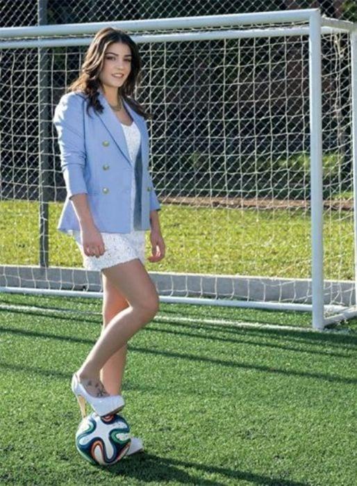 Người mẫu Argentina thách thức gì Messi