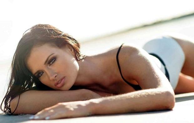 siêu mẫu Jess Molly